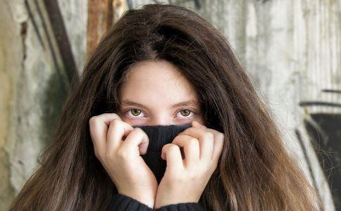 熬夜后会黑眼圈吗 如何治疗黑眼圈 为什么熬夜会有黑眼圈