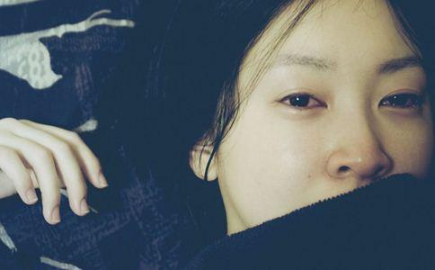 哭后眼睛肿怎么消肿 眼睛肿怎么办 怎么避免眼睛肿