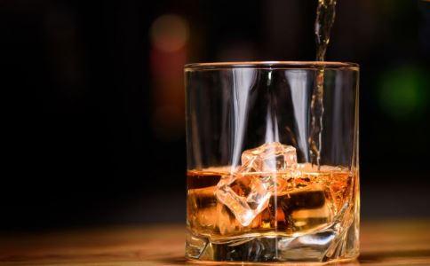 直播喝酒喝油猝死 喝酒的危害有哪些 喝酒对人体有哪些伤害