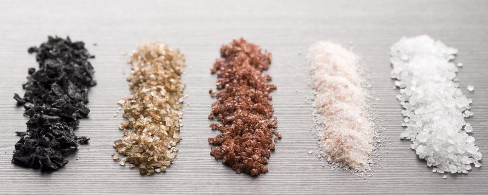 吃盐吃多了会有哪些表现 如何避免吃盐过量 为什么要少吃盐